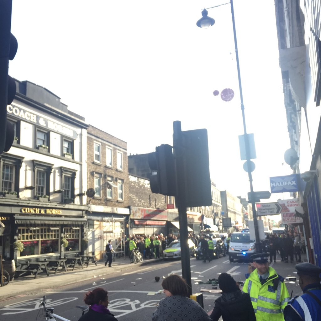 RT @wordsbydan: All kicking off on Stoke Newington High Street, man throwing things out of a window, police blocked off the road https://t.…