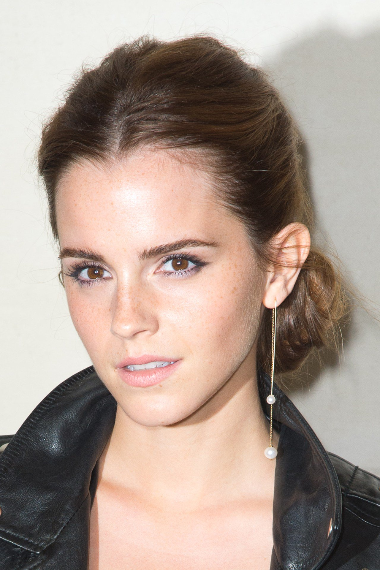 What has @EmWatson given away for charity? https://t.co/dMgirZgDHY https://t.co/ympZMmzJTp
