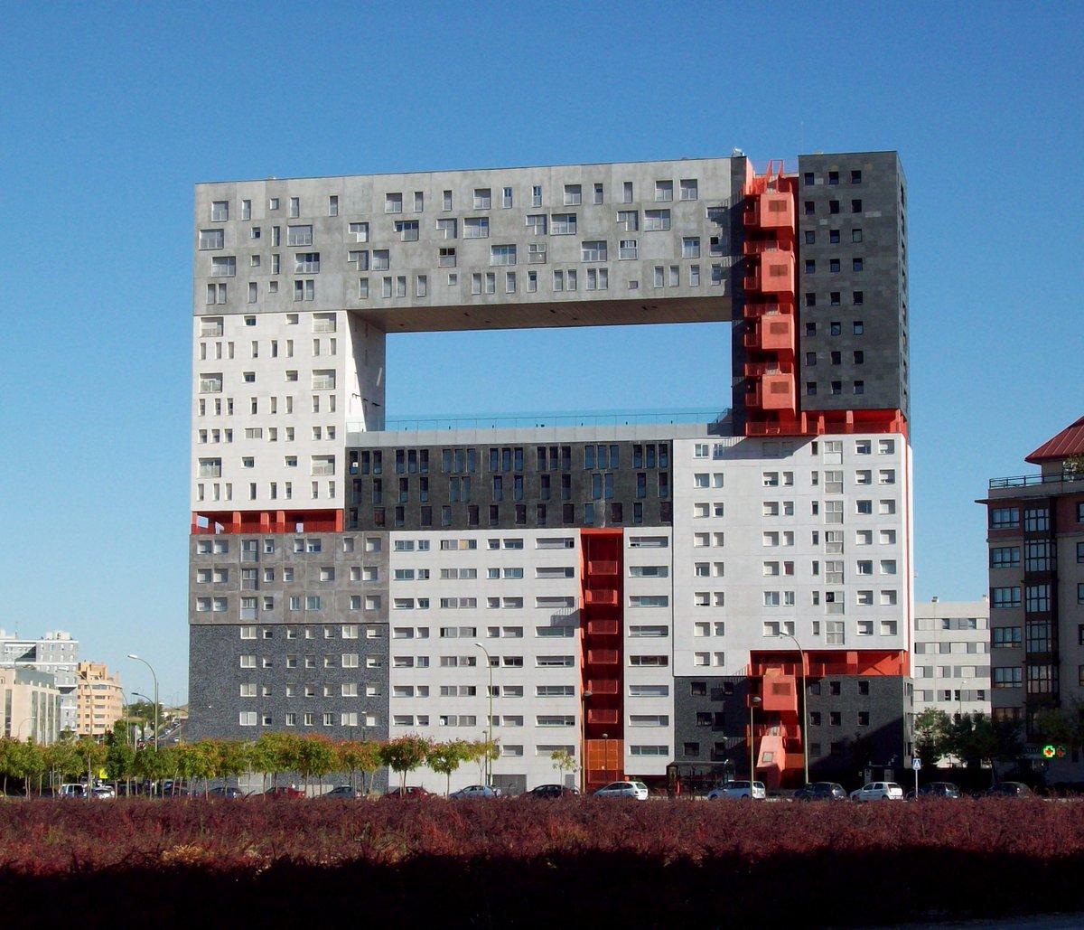 "Architettura A Madrid god saves cities on twitter: ""architettura o tetris"