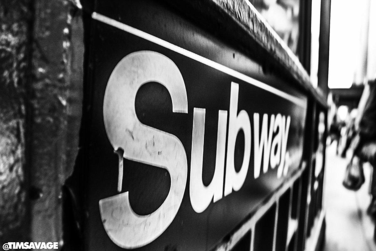 Beautiful photo in #NYC by @timsavage. #Subway https://t.co/okDyKJUido