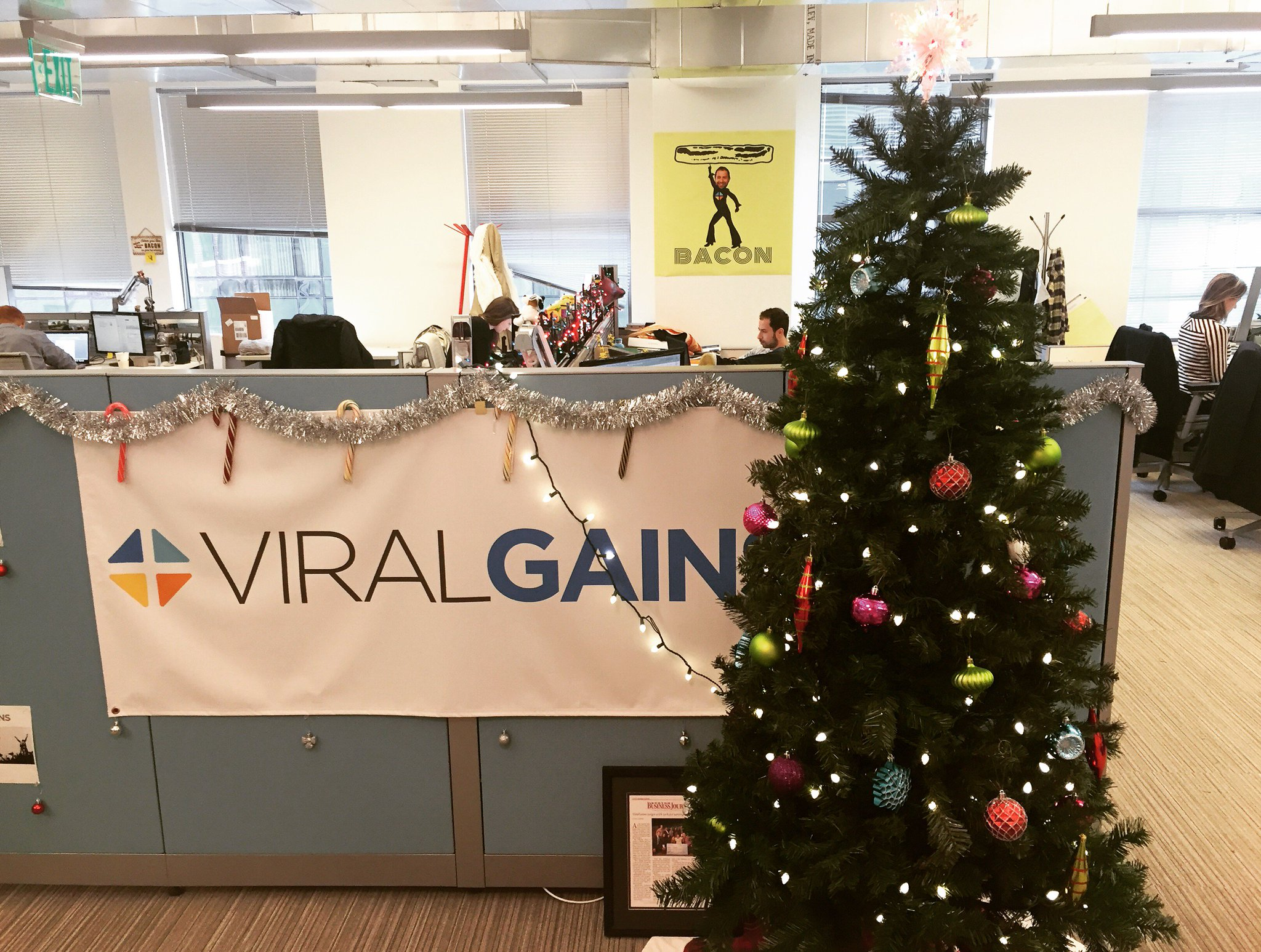 Loving the #Christmas decoration in our Boston office! https://t.co/yZPkw2M3Ma