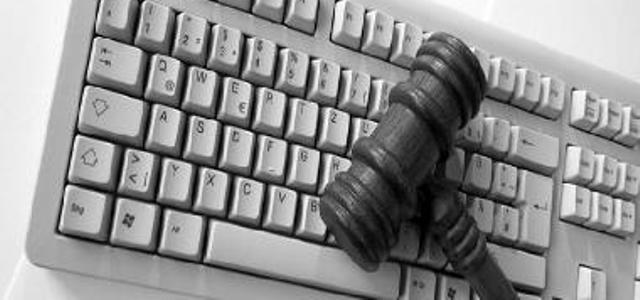 Internet: Commette reato chi pubblica appelli che inneggiano all'Is
