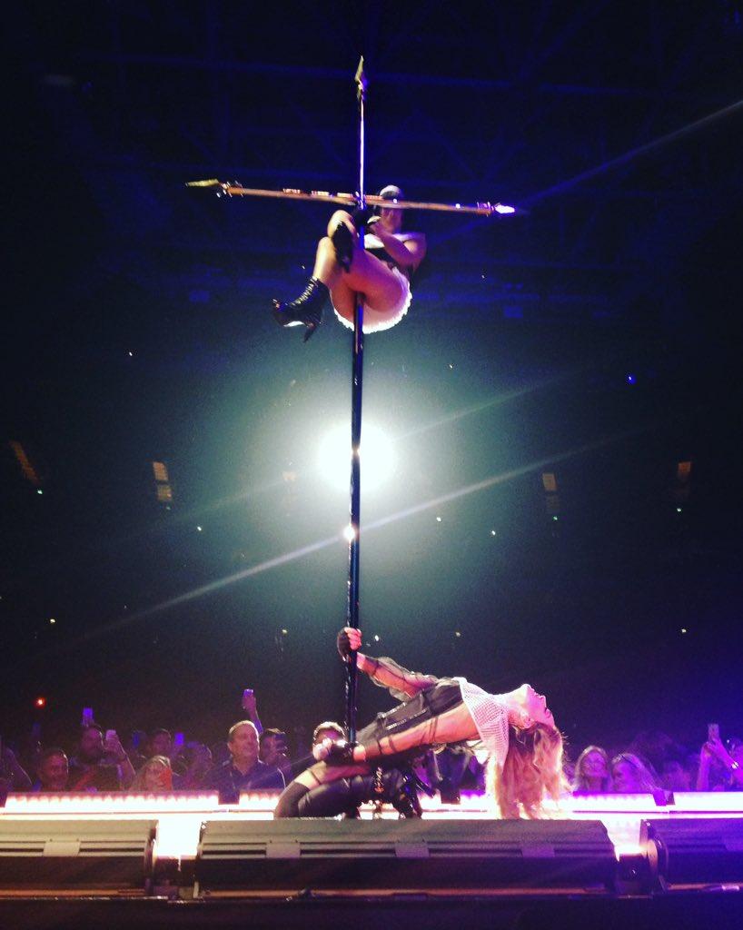 She's still got it 🙌 57 year old @Madonna struts her stuff at the O2 #RebelHeart tour in @ariannephillips @swarovski https://t.co/GX0poYomoW