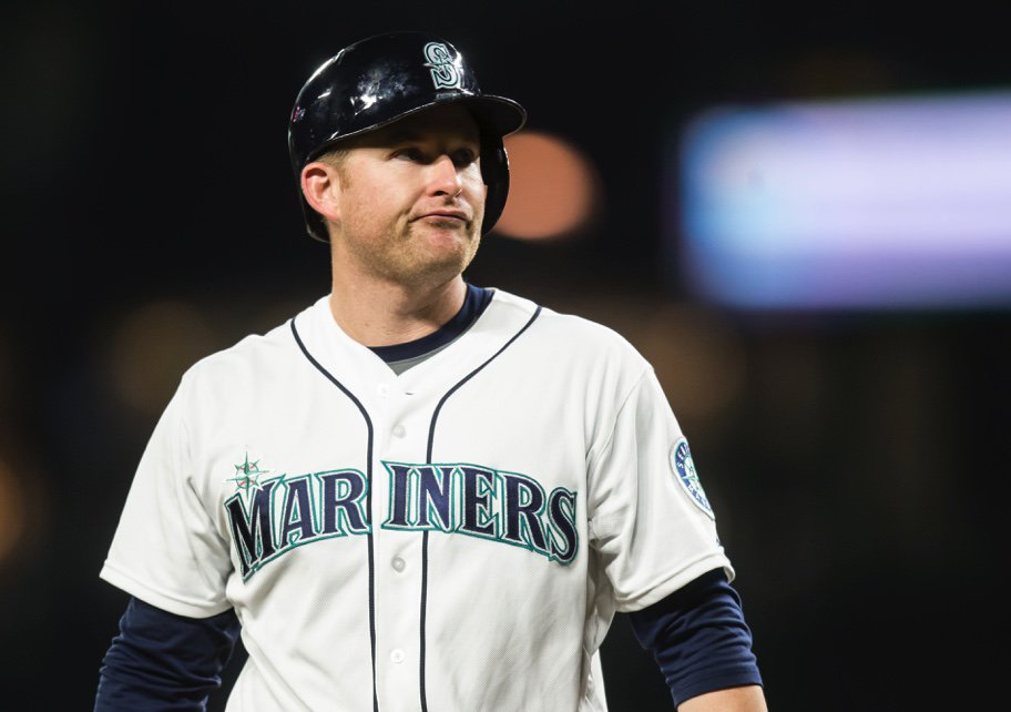 #Mariners closing in on deal to trade 1B/OF Mark Trumbo to Orioles for C/1B Steve Clevenger. https://t.co/vMFkXZB8H5 https://t.co/OeVqzOR6QG