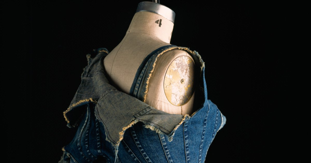 A new exhibit brings jeans into the museum: https://t.co/olgW1Egug9 https://t.co/enU2ZPfji1