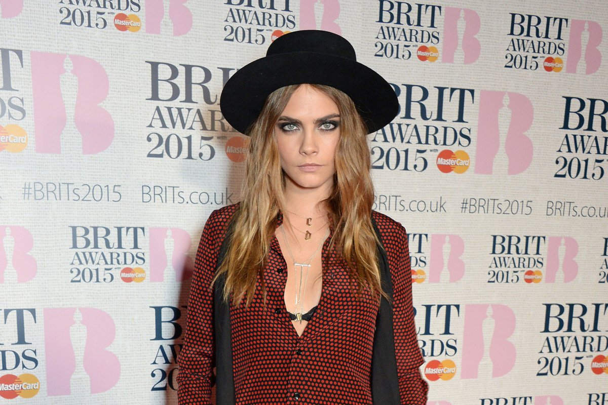 Remember when Cara Delevingne cosplayed Harry Styles? https://t.co/xsRmiGJBua https://t.co/8xkmw9oqBE