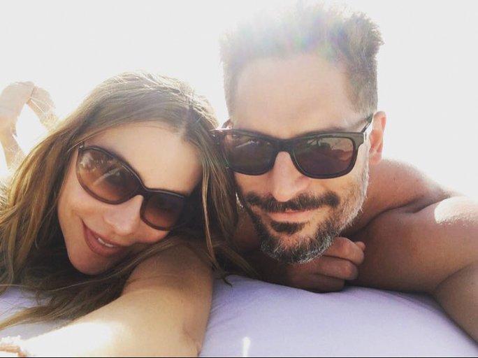 See @SofiaVergara and @JoeManganiello's envy-inducing photos from their honeymoon: https://t.co/lmah9ZVEIb https://t.co/yFJD1XsHSZ