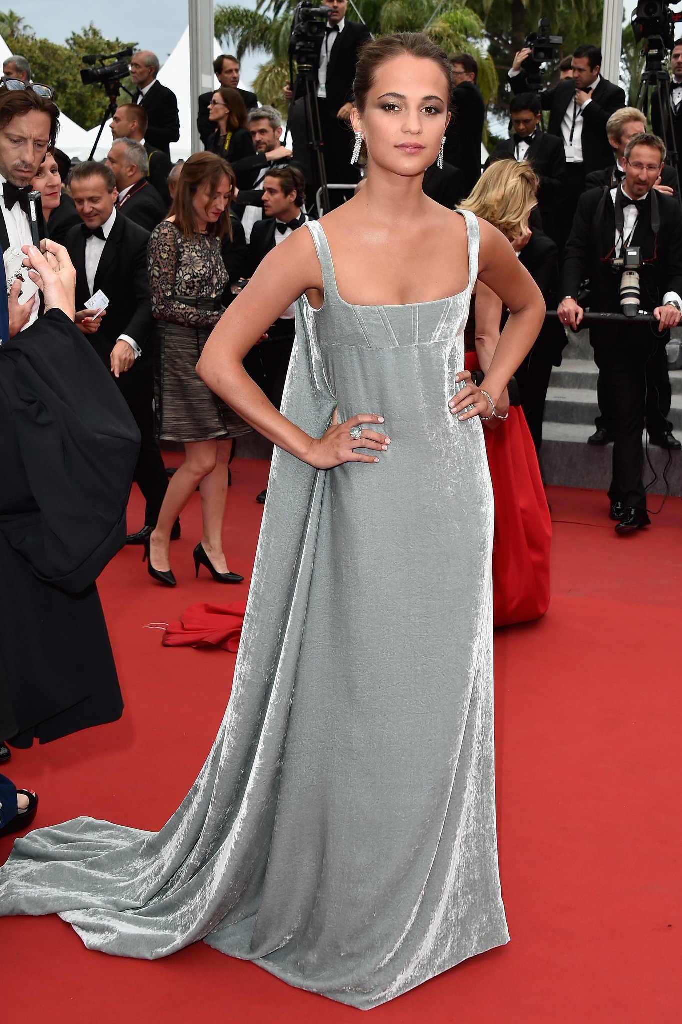 Celebrating our cover star Alicia Vikander's ecclectic red carpet style https://t.co/7zEXVOTOey https://t.co/YsYr5VH3ga