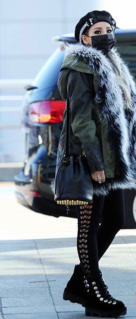 .@chaelincl carries the Alpha Bucket Bag. Find it in #AlexanderWang stores & on the site: https://t.co/XsJ1Qgm3kh https://t.co/kCXjTn5U5i