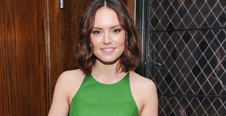 Thanks to Star Wars, Daisy Ridley is about to become the world's biggest red carpet star: https://t.co/nwyGkbKTzO https://t.co/CJG7MQIshA