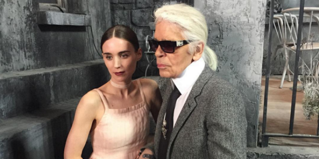 Karl Lagerfeld brought Paris to Rome for @Chanel's latest runway show: https://t.co/6EGHPCnUBx #ParisinRome https://t.co/SxzGSsTilK