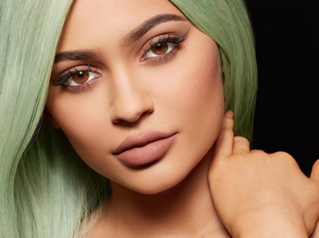 The biggest lip mistake @KylieJenner ever made—and what she learned from it: https://t.co/lS6mkAKomd https://t.co/6oOyCYAlT3