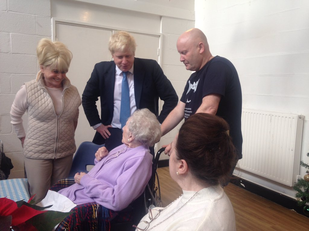 Wonderful morning @InDeepLDN Westminster packing hampers for older Londoners with the fantastic Barbara Windsor https://t.co/38mvc6lJV8