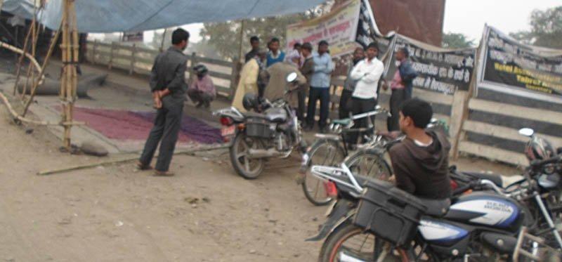 धर्नामा बसेकामाथि भारतीय आक्रमण