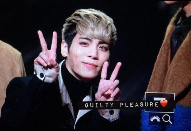 151202 Jonghyun @ MAMA 2015 CVOHKGJUEAAhUbG