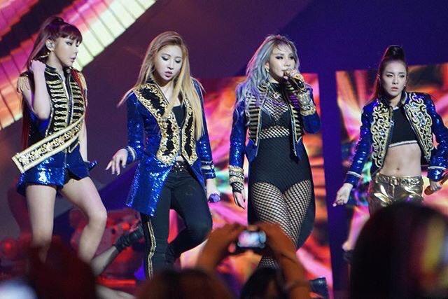 2NE1 killing it on stage ❤️  cr: xx_sps https://t.co/aTr8Xymk6f