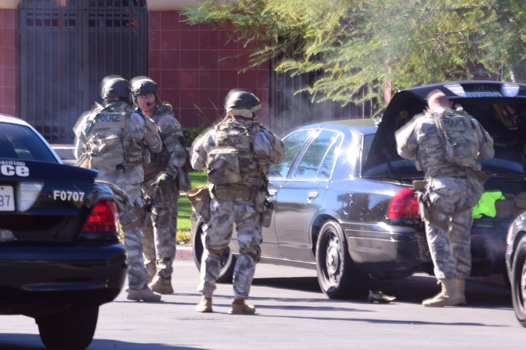 .@SanBernardinoPD SWAT on scene https://t.co/uFTfdBROOp