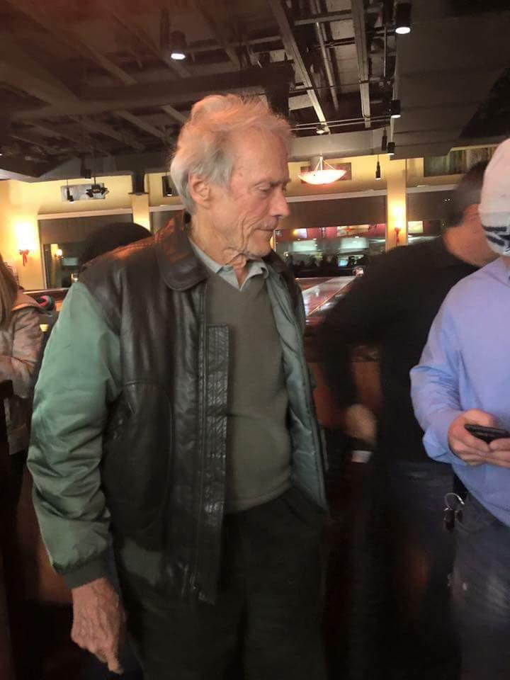 Clint Eastwood was at Carino's in #Alamogordo & Western Bar in #Cloudcroft last night. Have info, call us 437-7120. https://t.co/1YzxtNGros