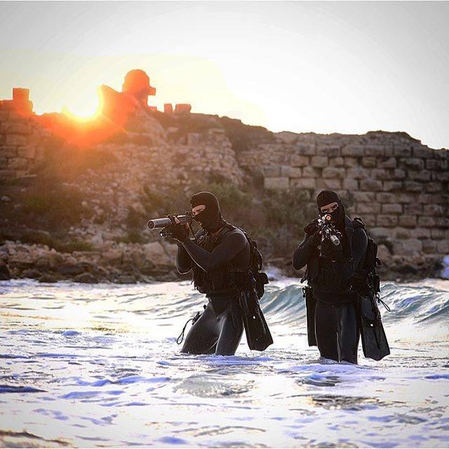 """وحدة النخبة البحرية في الجيش الإسرائيلي: """"السرية 13"""" ........Shayetet 13 CVPv328WIAAa8Ll"""