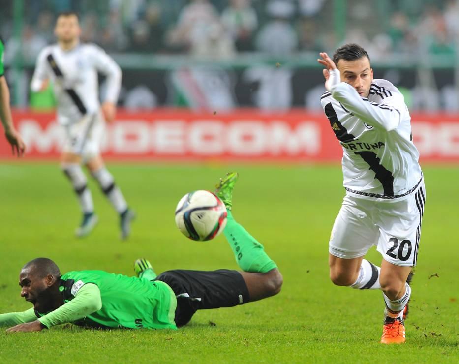 Trichkovski runs away from his marker