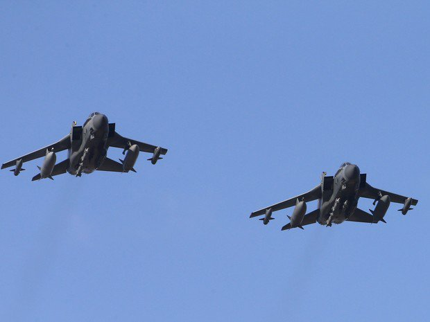 Reino Unido realiza primeiros ataques aéreos contra Estado Islâmico na Síria https://t.co/0TA7JZzhnC #G1 https://t.co/8Njx6J7Adc