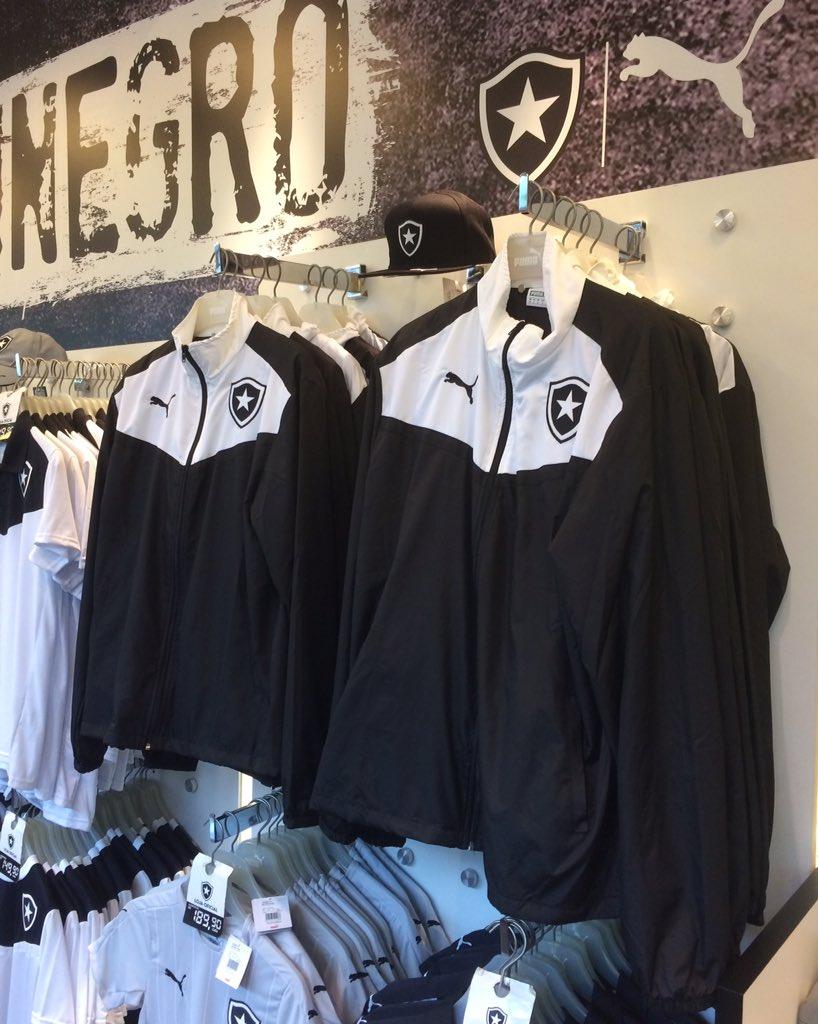 661c44152af45 Novo casaco do Fogão! Ficou fera! Garanta o seu na Loja Oficial do Botafogo!   FogoEuTeAmo  BotafogoDigital  Pumapic.twitter.com ngIROh99Bo