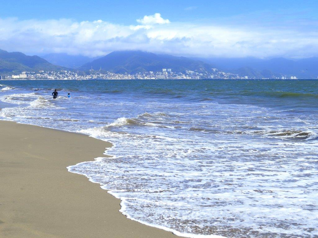 Thinking of beautiful @PuertoVallarta on this #BeachThursday. Such a great family vacation destination! #travel https://t.co/IM5Gw2TCnA