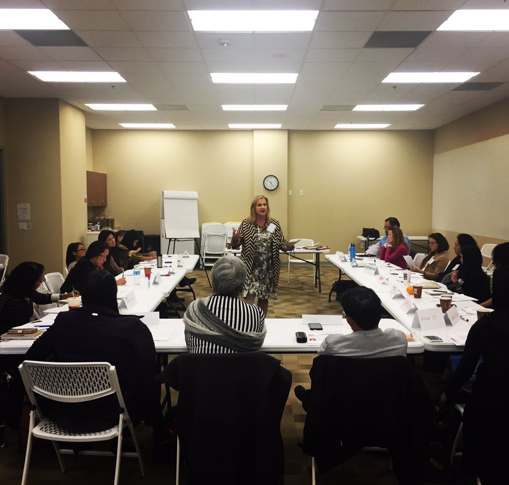 Shout out to the 20 advocates and social justice leaders at #WritetoChangetheWorld w/ @A3PCON today in #LosAngeles https://t.co/l2jlxTwSBq
