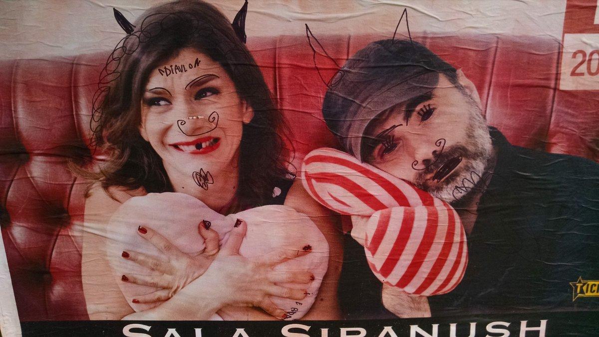 Mira ! @Daliagutmann  el arte callejero que encontré por Ortuzar..... No pasemos por alto el #diavlo 😂😂😂