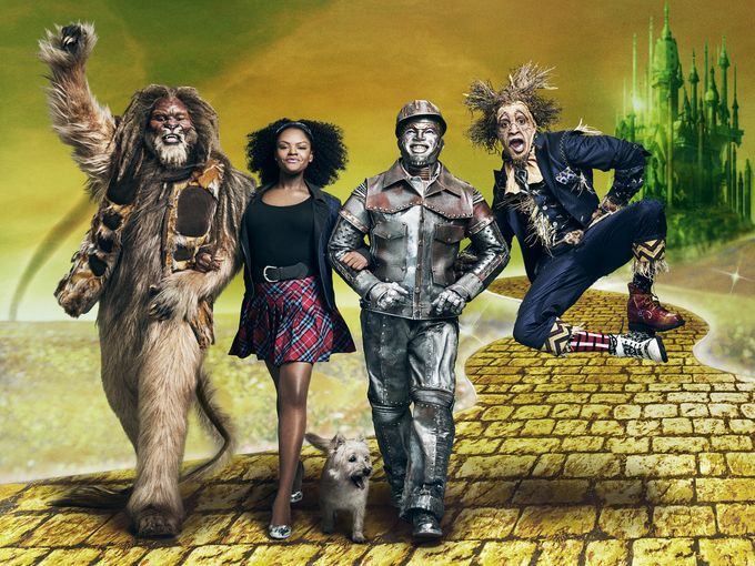 Retweet if you are ABSOLUTELY LOVING #TheWiz! https://t.co/aIEpi94IcJ
