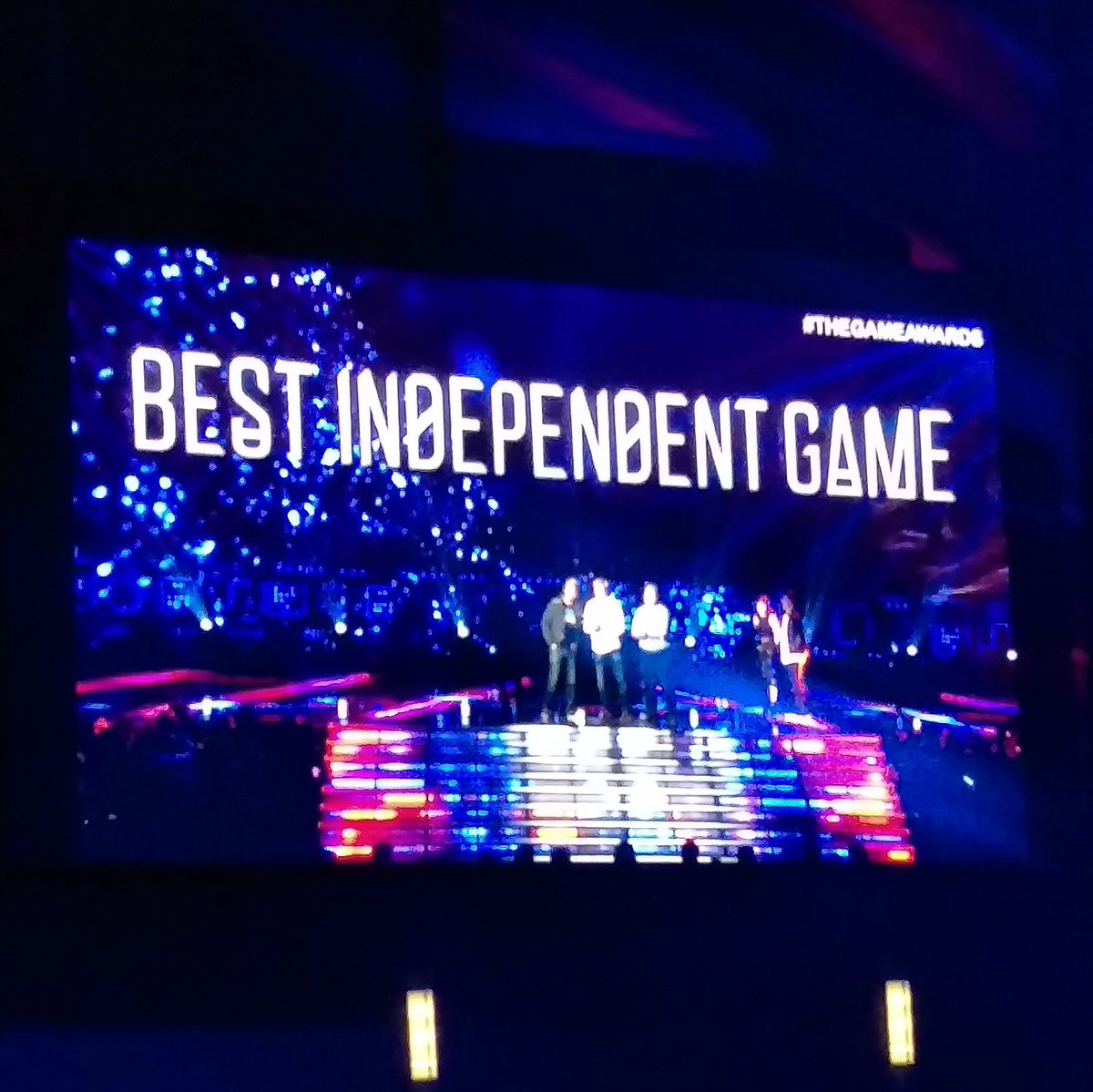 Rocket League won Best Independent Game.   #TheGameAwards #AMDGreenRoom #AMDRTP https://t.co/hRLP1rQkYL