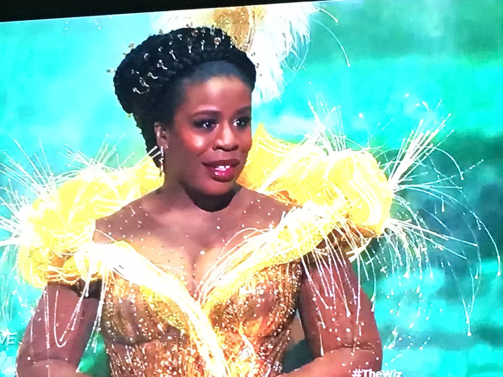 Omg @UzoAduba. You are freaking stunning. #TheWiz https://t.co/lQFZDSKZ44