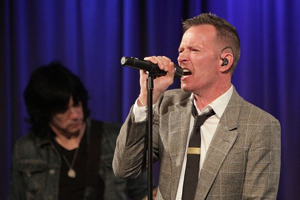 We remember Scott Weiland. Our thoughts are with his friends and family. https://t.co/DQaGAsJMhy