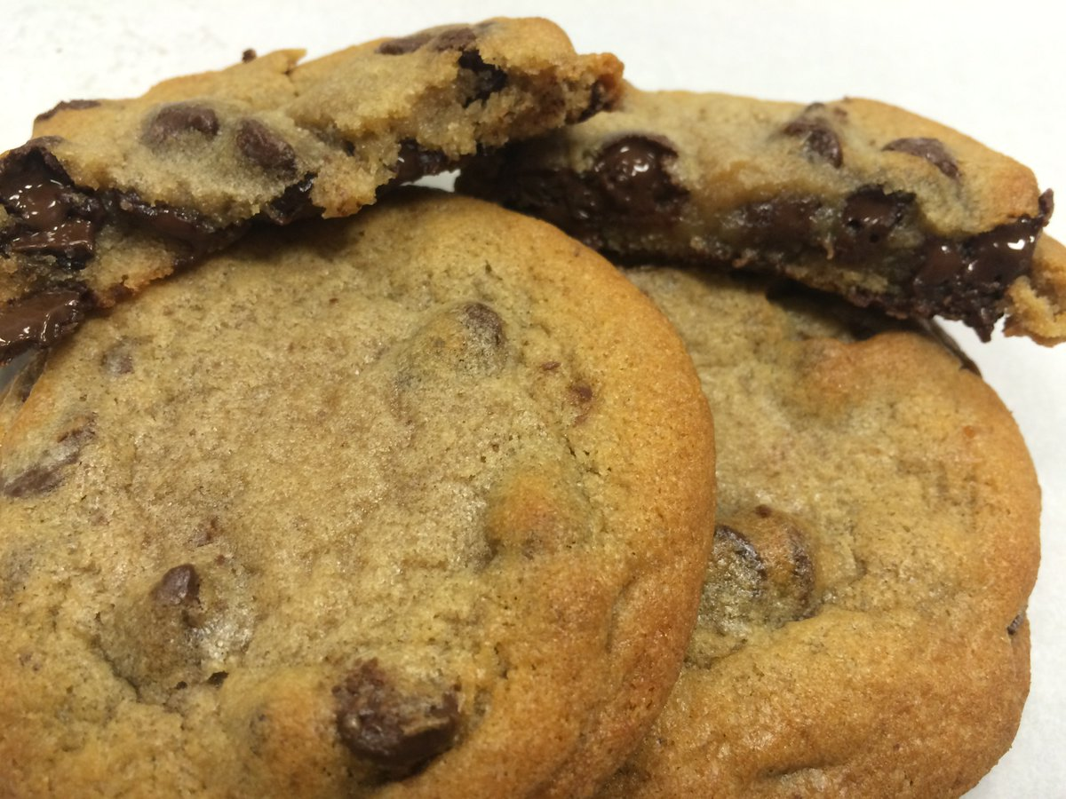 Happy #NationalCookieDay!  RETWEET and follow for 2 free chocolate chip cookies from 10 am - 6 pm today!