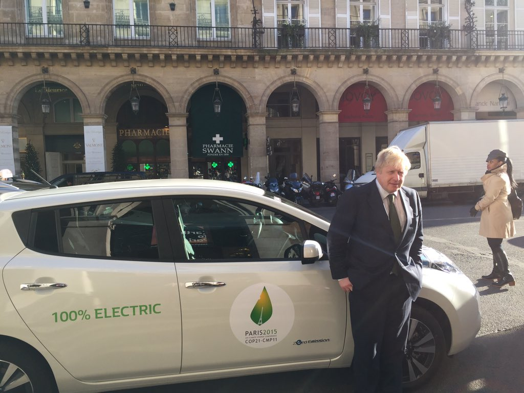 Finished my trip to Paris hitching a lift in the fantastic @NissanElectric Leaf - very green and made in Britain! https://t.co/qgWuRebjNg