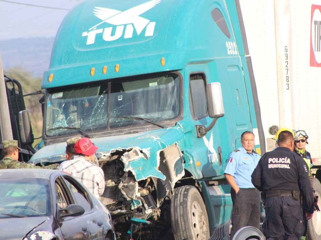 Accidentes e incidentes de elementos del Ejército Mexicano  Noticias,comentarios,fotos,videos. - Página 2 CV_RnzfWoAE5R0N