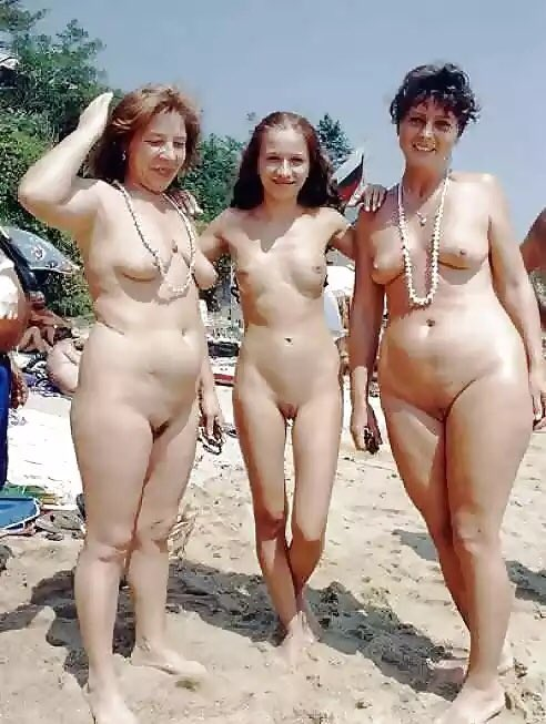 nudist beach girls nudistbeachgirl twitter
