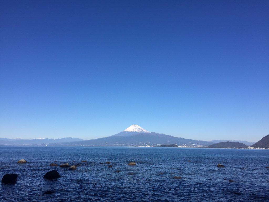 今日の富士山。西伊豆から #富士山ノ会 https://t.co/g3isjkhXmv