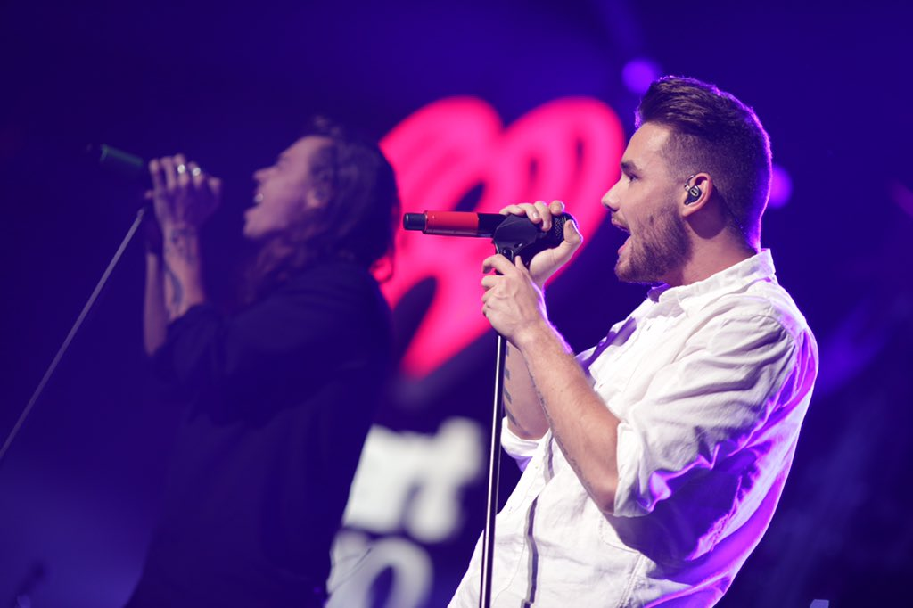 .@STAPLESCenter shook with screams when @onedirection took the #KIISJingleBall stage! https://t.co/PqtMuJgsuF https://t.co/VKHRe8JC57