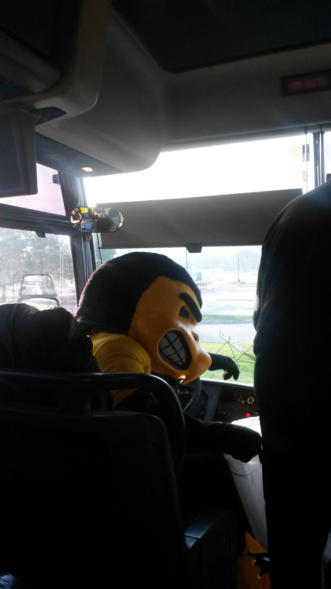 HERKY IS DRIVING THE BUS TO INDY #UNTIL https://t.co/TZW9mvKTEz