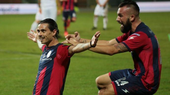 Risultati Serie B Calcio: Crotone batte Cesena e va in testa alla classifica