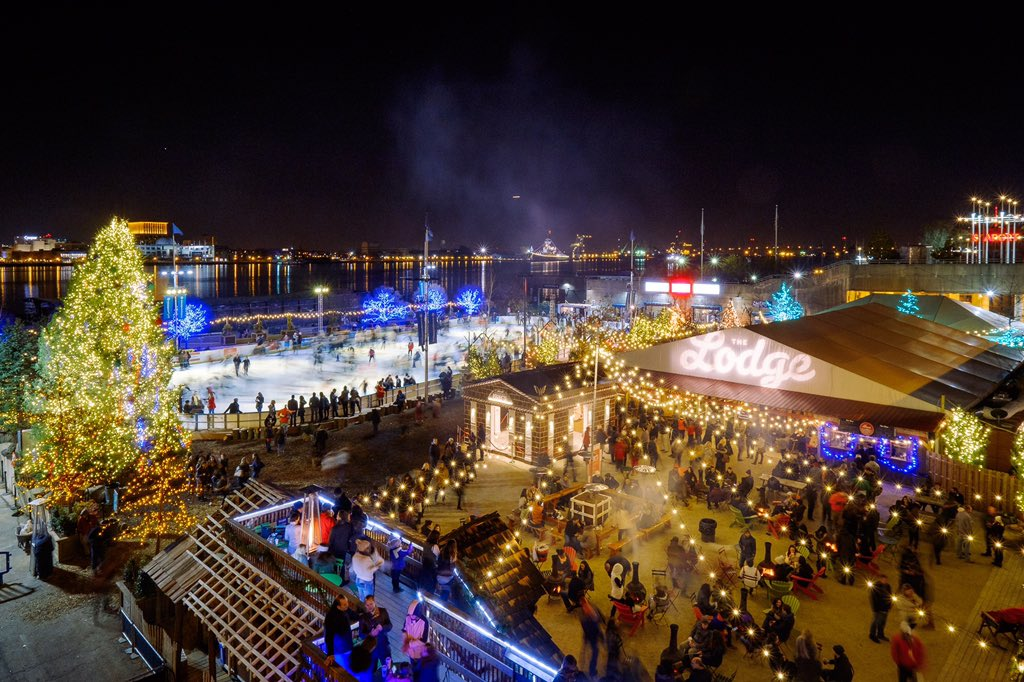 The @River_Rink at night is a magical place. https://t.co/Y0MKWhn6G3