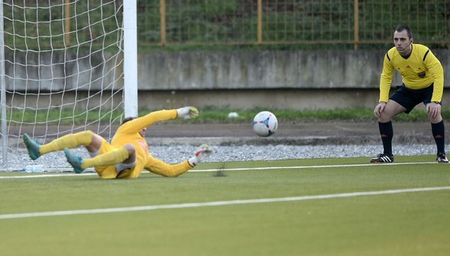 Pachovski saves the 90th minute penalty; photo: Vardar