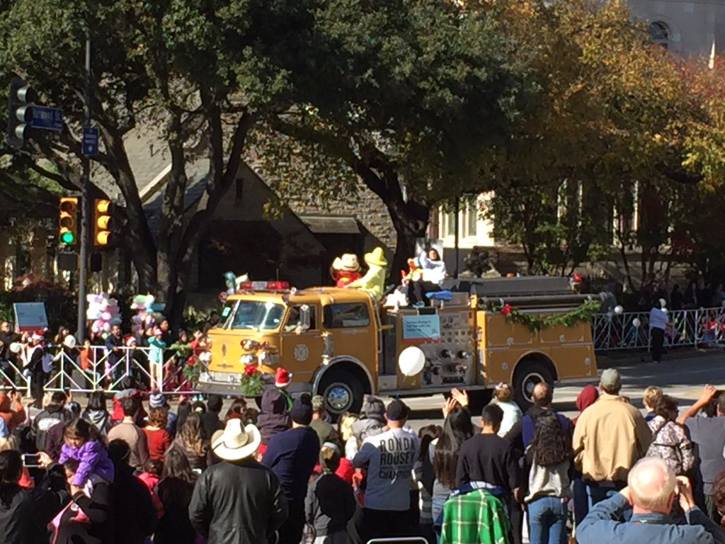 Curious George #dallasparade #monkeyking