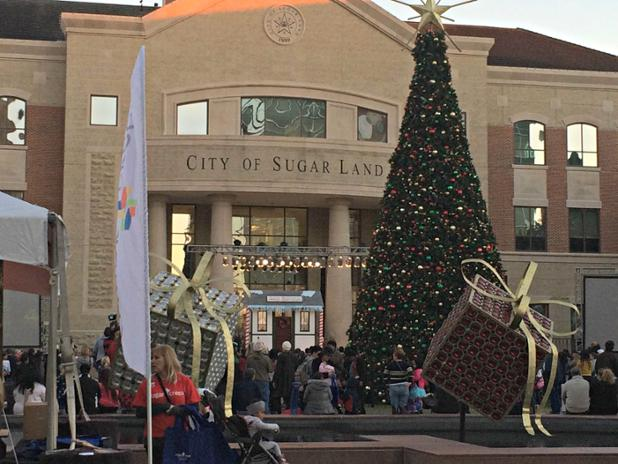 Mann Eye Institute on Twitter  Priscilla and the Mann Eye team were at the Sugar Land Town Square Christmas Tree Lighting. & Mann Eye Institute on Twitter: