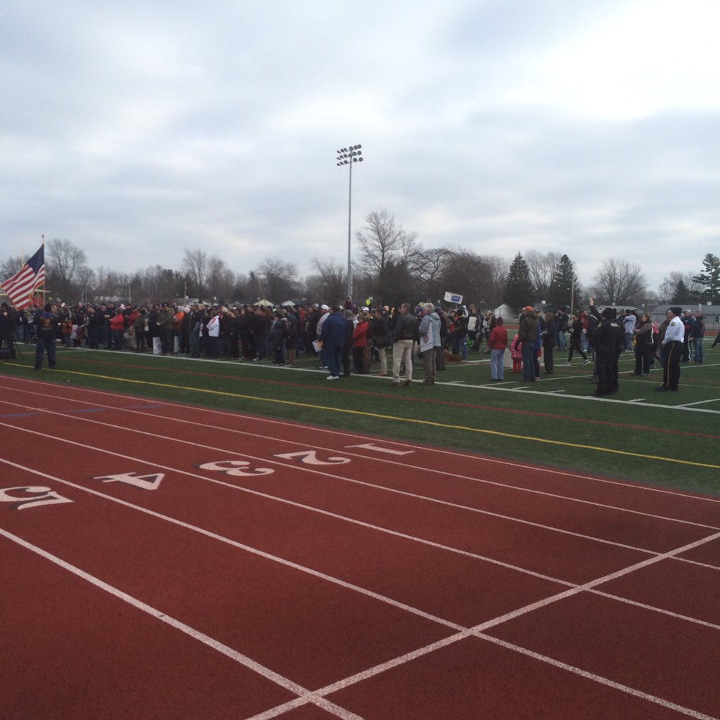 Great turnout in Massena for the People Over Profit Rally. @nysut @SenSchumer @AFTunion https://t.co/dsTtrHSd3L