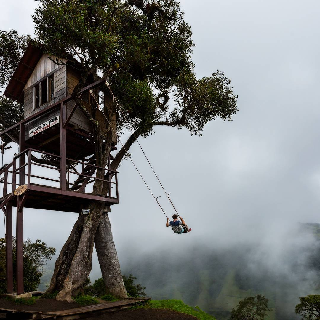 Earth pics on twitter swing on the edge of the world at for Casa del arbol cuenca