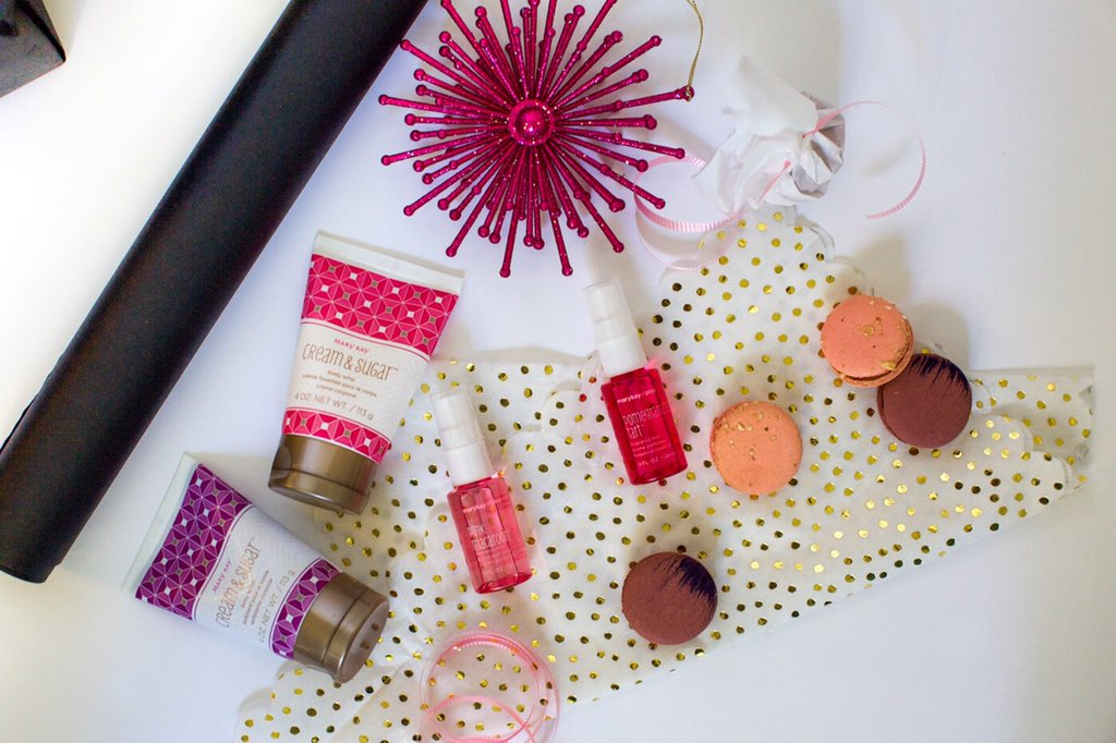 The perfect giftables from @MaryKayand a giveaway on https://t.co/0uqIbR6Ane #MerryKay #MaryKay https://t.co/3ko4cph70Q