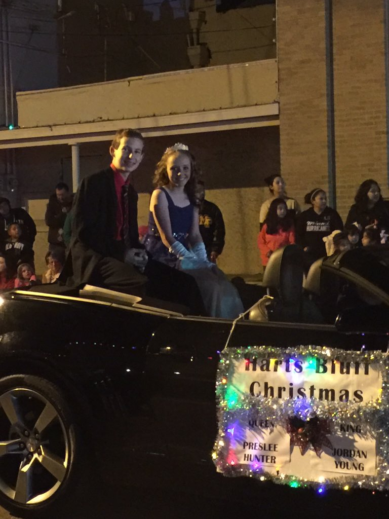harts bluff isd on twitter mt pleasant christmas parade looking good preslee and jordan httpstcouy1ynxqmyd - Mount Pleasant Christmas Parade