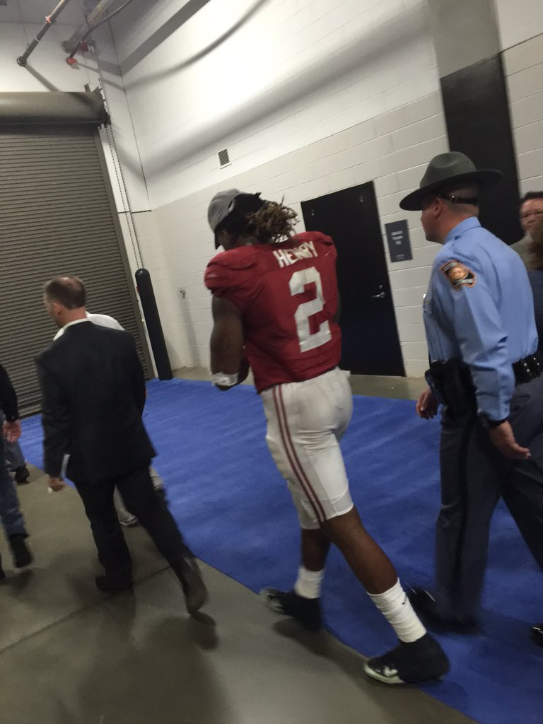 The 34-year SEC record for rushing yards was broken by Alabama's Derrick Henry. 189 yards today. #SECChampionship https://t.co/Eabnn1j07o
